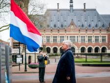 Burgemeester Jan van Zanen herdenkt bij Vredespaleis