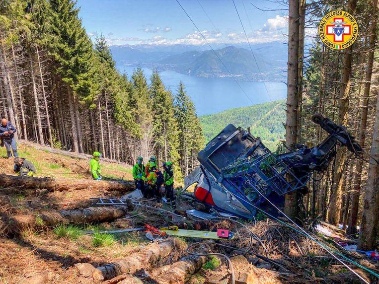 De cabine stortte neer in de buurt van het Lago Maggiore. Beeld EPA