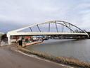 De nieuwe Zuidbrug in Halle ligt sinds dit weekend op zijn plaats.