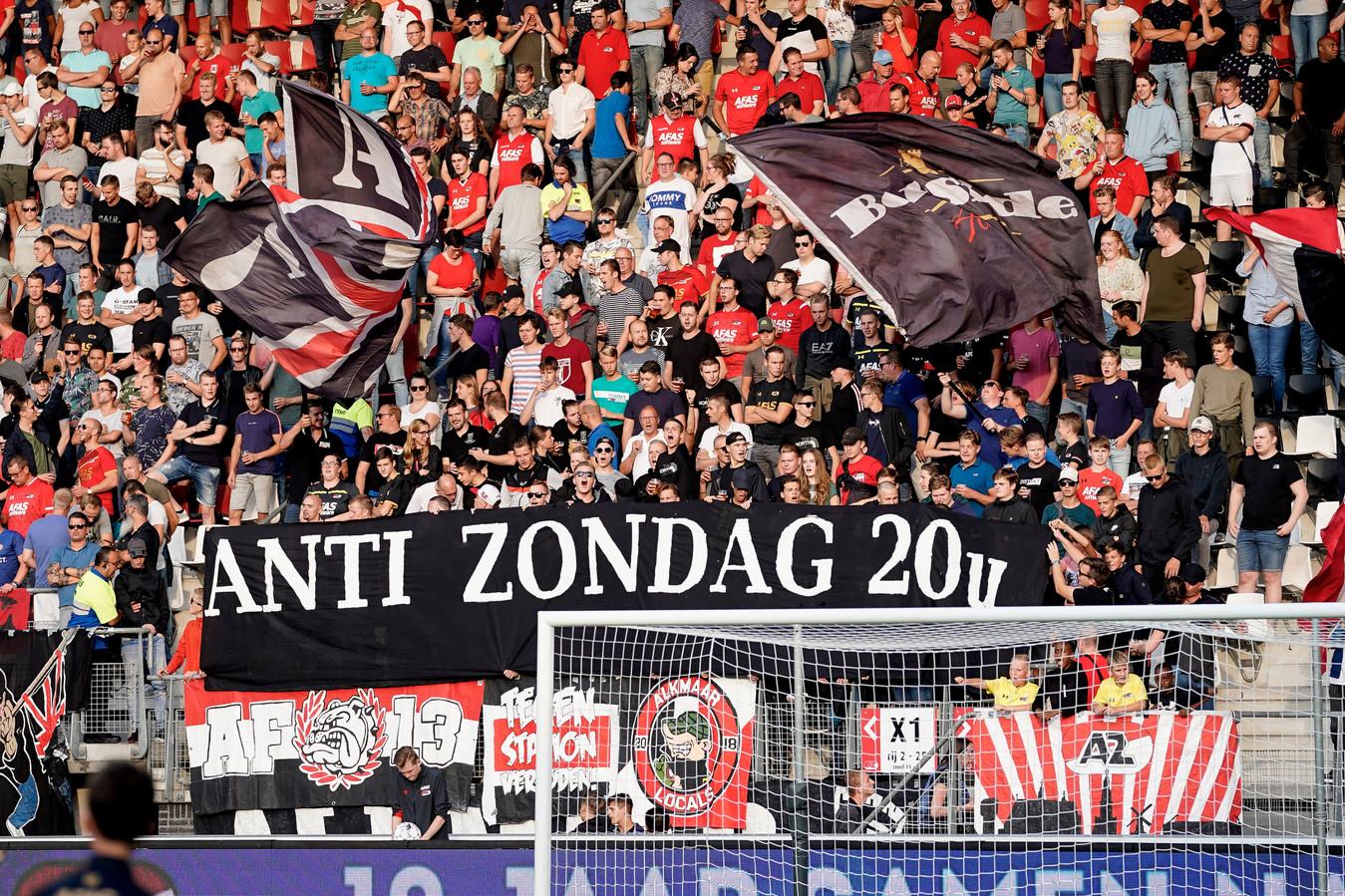 Ook in Alkmaar richten de supporters zich tegen het late aanvangstijdstip.