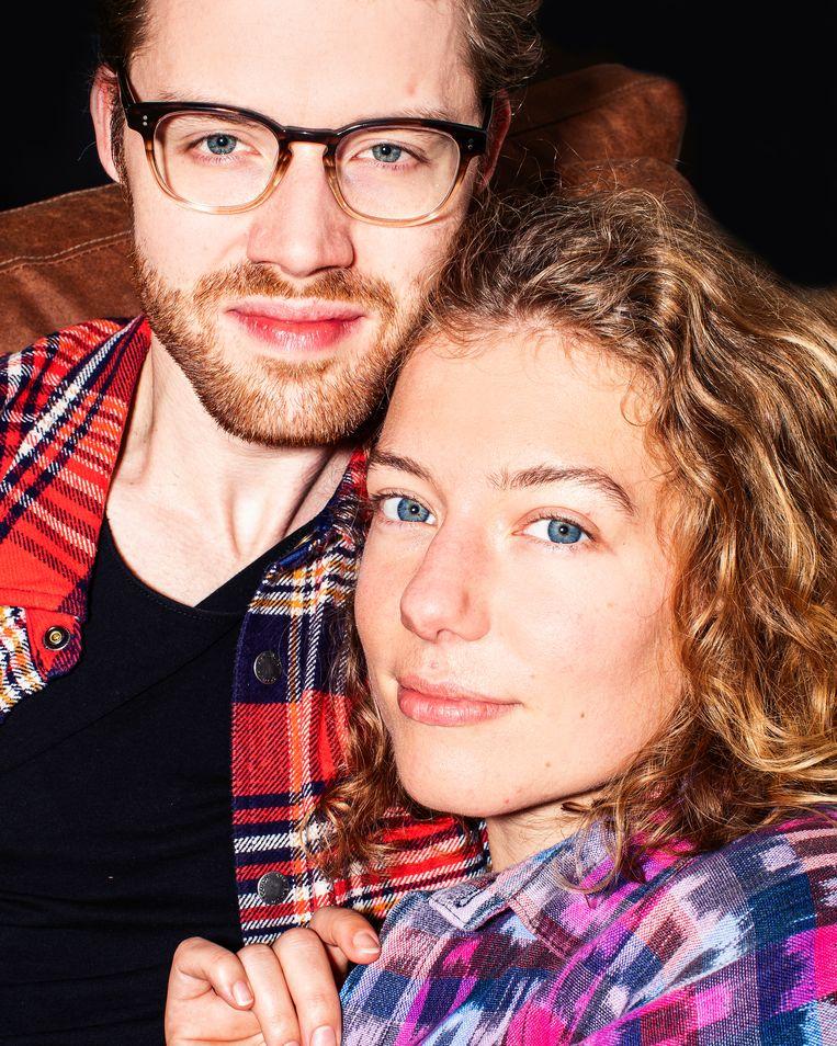 Linda de Munck (25), schrijfster van het boek Seksleven en seksinfluencer, en Jesse de Boer (26), designer & developer uit Groningen. Ze hebben een relatie. Beeld Hilde Harshagen