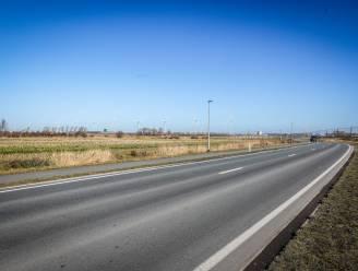 Hier komen straks 143 vrachtwagens per dag steenbrokken dumpen: provincie geeft - tegen alle verwachtingen in - vergunning aan betonbedrijf