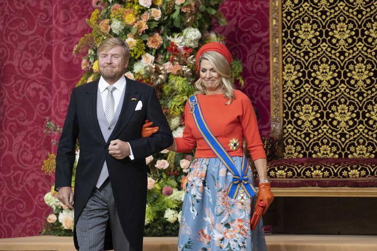 Koning Willem-Alexander en koningin Máxima op Prinsjesdag, na afloop van het voorlezen van de Troonrede in de Grote Kerk.  Beeld ANP