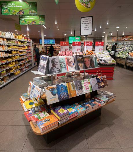 Boekentafel van de buurman blijft nog wel even staan in Lelystadse supermarkt