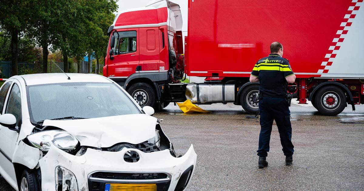 Geen gewonden bij botsing tussen vijf auto's.