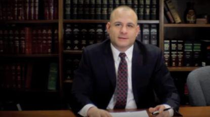 """Naakte advocaat op hoge hakken wandelt verkeerd huis binnen: """"Hier ben ik"""""""