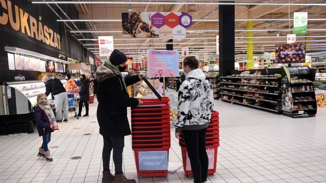 """Ideetje voor hier? Hongaarse supermarkt scoort met """"singles""""-mandjes"""