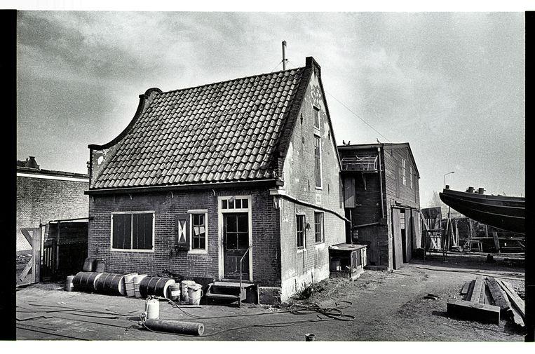 Markerhuisje op werf Het Groenland in de zeventiger jaren van 20ste eeuw.  Beeld Collectie van de familie Broerse