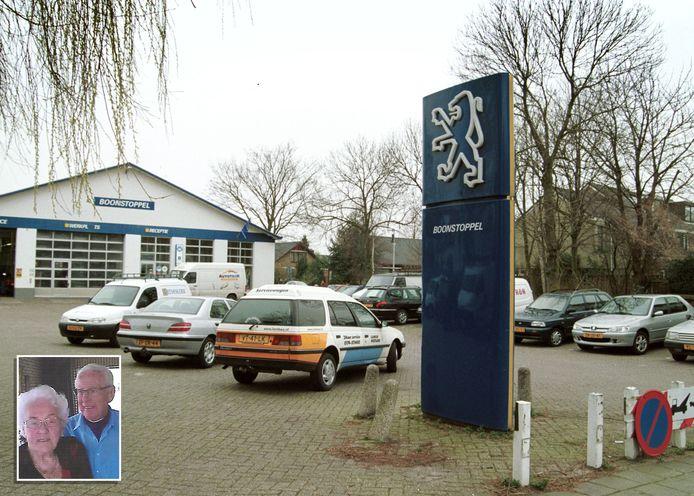 Autobedrijf Boonstoppel in Waddinxveen in 2000. Inzet: Arie Boonstoppel en zijn vrouw Nel.