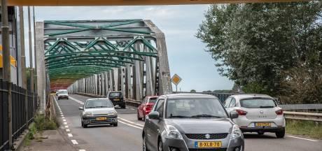 Schilders John S. Thompsonbrug toe aan boog 4: twee dagen afgesloten voor verkeer