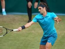 Federer ontsnapt in Halle aan nederlaag