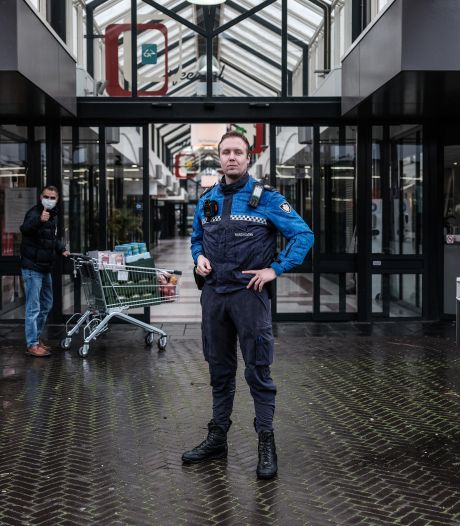 Bodycams voor boa's in Duiven en Westervoort: 'Ik voel me veiliger'