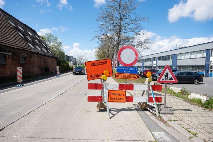 De wegenwerken aan de Kontichsesteenweg in Aartselaar.