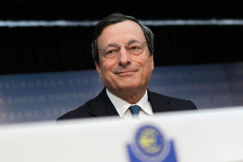 De Italiaan Mario Draghi in 2012. Als kersverse president van de ECB zette hij alles op alles om de eurozone overeind te houden. Beeld REUTERS