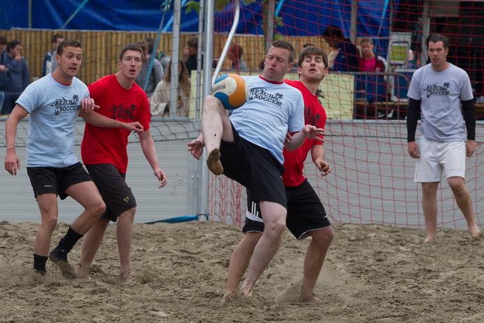 Archieffoto Beach Soccer Rooi.