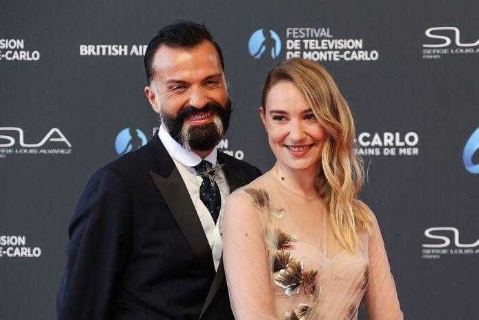 L'actrice belge Déborah François et le créateur français Julien Fournie.