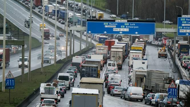 """Voka pleit opnieuw voor slimme kilometerheffing: """"Elke filedag kost ons land 1,3 miljoen euro"""""""