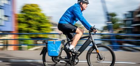 Scooter op het fietspad of op de weg in Amersfoort? Politici geven hun mening