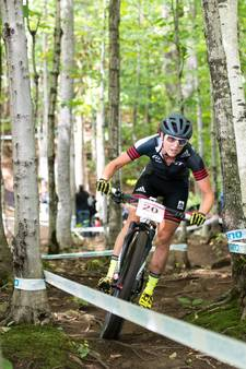 Mountainbikester Anne Terpstra breekt enkel