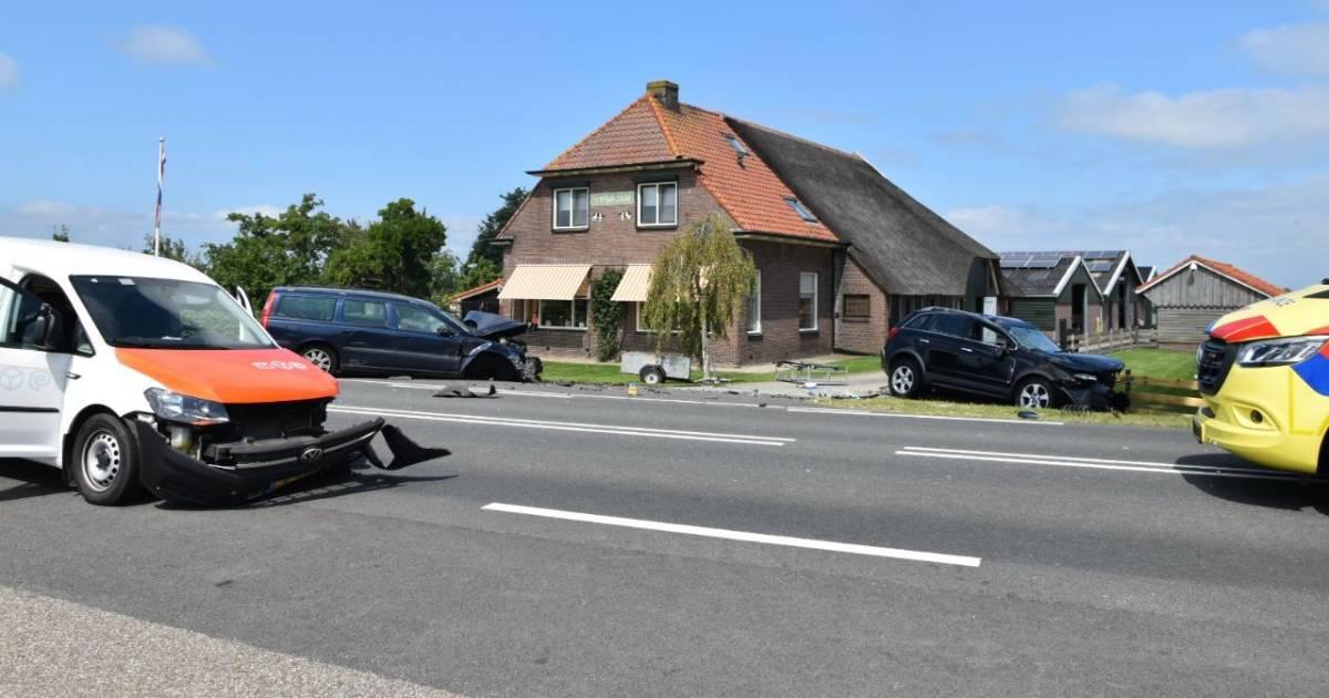Ravage en gewonde door ongeluk met postbezorger in Wanneperveen.