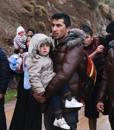 Lesbos is een kruitvat: 'Het is wachten op de eerste dode'