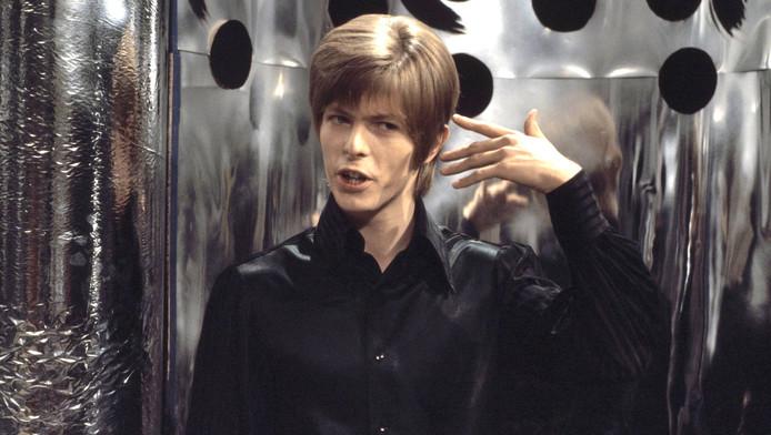 David Bowie tijdens zijn optreden in 1967 in Bussum, vóór zijn doorbraak. Foto HH