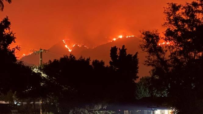 """Californiërs op de vlucht voor vuur en smog: """"De rook is overal. Alsof er iemand op mijn borstkas zit"""""""