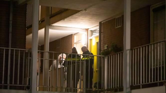 Vondst lichaam in Baarnse seniorenflat stelt politie vooralsnog voor een raadsel
