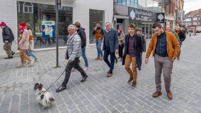 """Auto's mogen maximum 20 per uur in Molenstraat: """"Woonerf-statuut blijft behouden"""""""