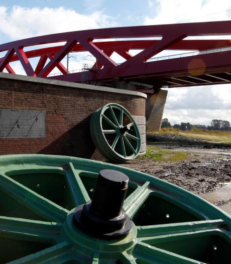Groene, gietijzeren hefwielen die gestolen werden tussen Hattem en Zwolle zijn nog altijd niet terug