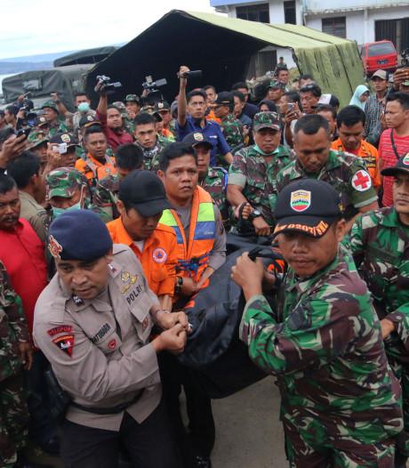 Ruim 180 vermisten na ongeluk ferry Tobameer