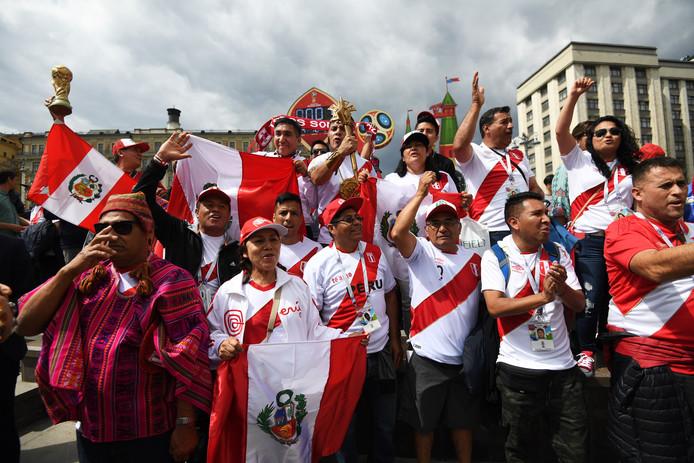 Fans van Peru op het Rode Plein in Moskou.