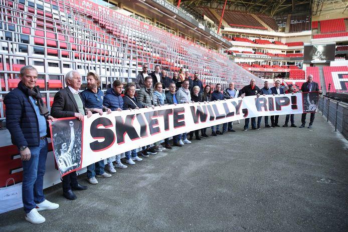 Skiete Willy werd vrijdagmorgen geëerd in het Philips Stadion.