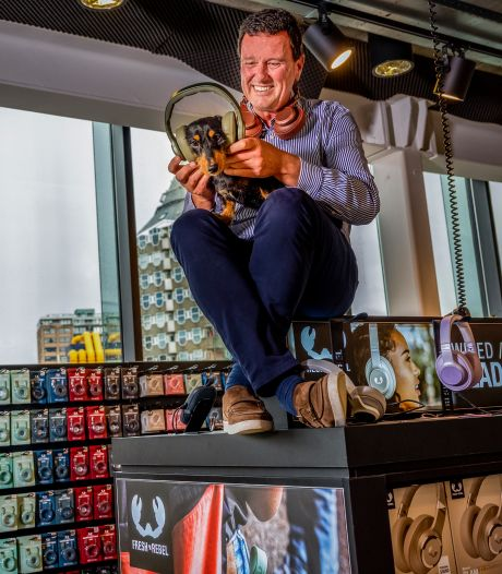 Zakenman Pim vond koptelefoons saai, nu ontwerpt hij ze zelf (en verkocht miljoen stuks in een jaar)