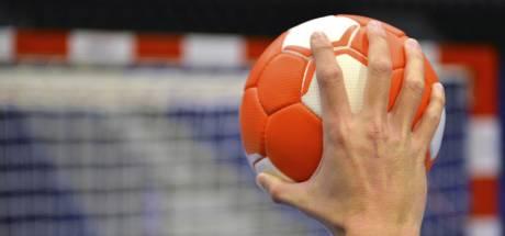 Walking handbal: 'Oudere moet van de bank, wie weet lukt dat hier mee'