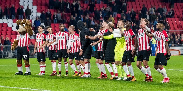PSV verdedigt in Venlo de koppositie.