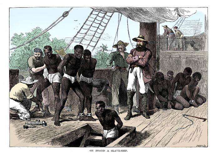 Slaven werden destijds in Afrika op schepen gezet, onder andere richting Suriname. De Harderwijkse burgemeester Johan Bavius de Vries kocht blijkens een onlangs gevonden akte destijds 34 slaven voor zijn plantages.