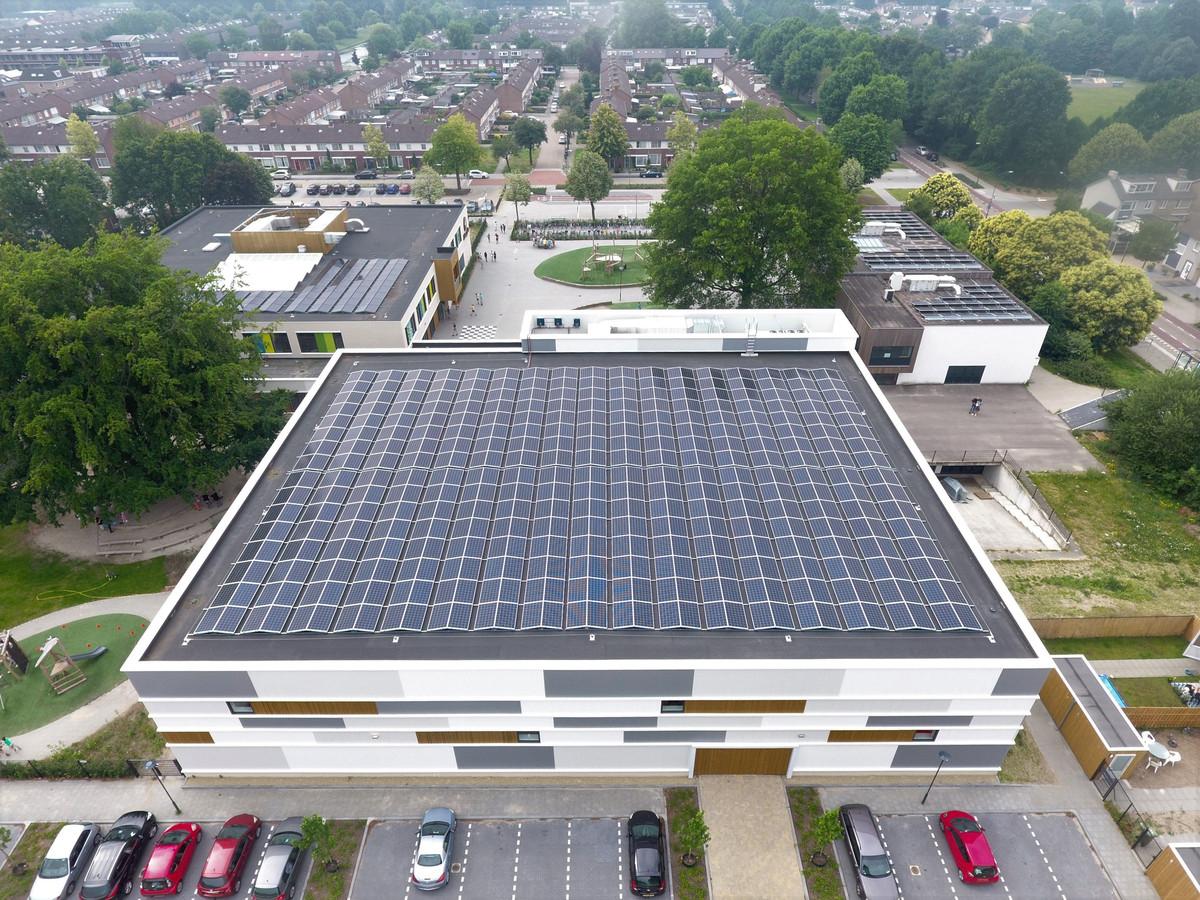 Op veertig procent van de grote daken in Vught moeten zonnepanelen komen te liggen.