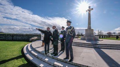 Britse ambassadeur bezoekt kantoren en begraafplaatsen Commonwealth War Graves Commission