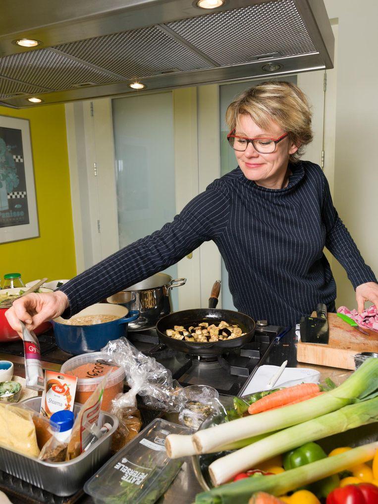 Yolanda van der Jagt: 'Op het moment dat ik ga koken, denk ik in recepten' Beeld Ivo van der Bent