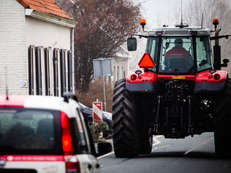 Dijkbewoners strijden tegen verkeersdrukte in 'voortuin': 'Er moet echt iets gebeuren'