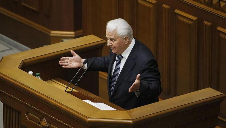 De ex-president van Oekraïne spreekt het parlement toe. Beeld reuters