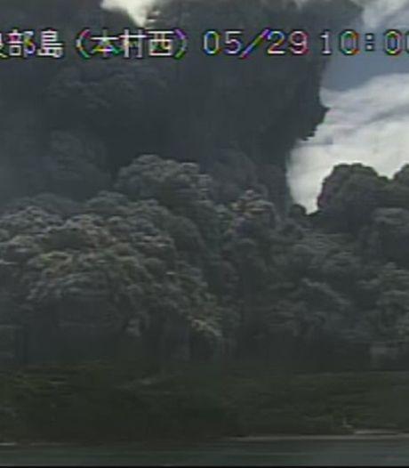 Vulkaan Japan barst onverwachts uit