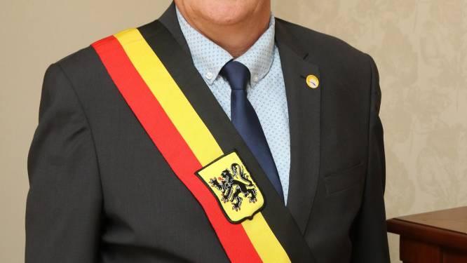 """""""Hij bedreigt mensen met ontslag"""": Koen Descheemaeker (N-VA) beschuldigt burgemeester Zonnebeke van tiranniek gedrag"""