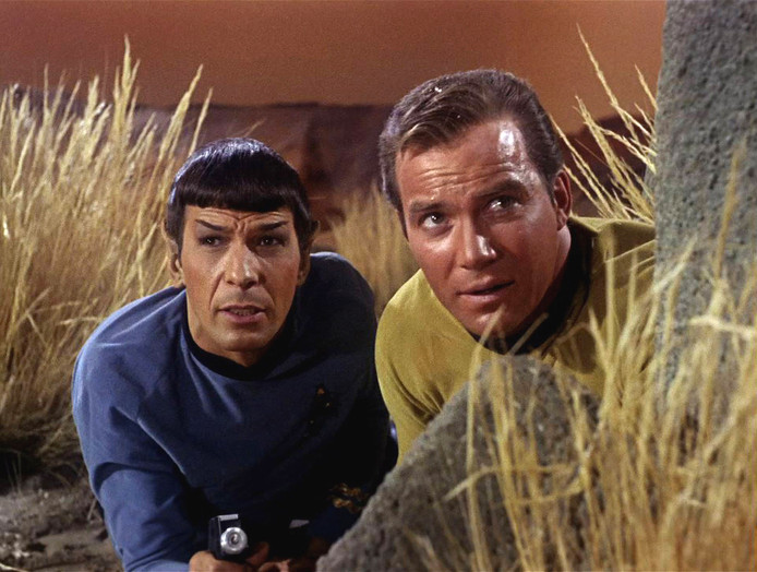 Leonard Nimoy als Mr. Spock en William Shatner als Captain James T. Kirk, in 1966.