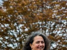 'Zeer positieve' Yvonne brengt haar boek zelfs in braille uit: 'Ik wil mijn kunstwerken voelbaar maken'