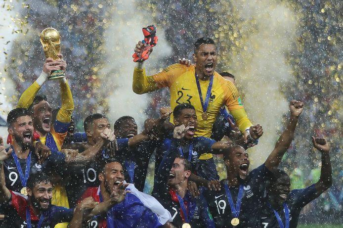 het Franse team viert de wereldtitel in Moskou.