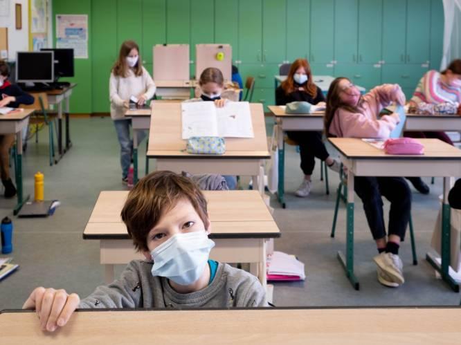 """Leerlingen van school in Bonheiden dragen nu al mondmasker in klas: """"Kinderen beseffen  dat het voor hun eigen goed is"""""""