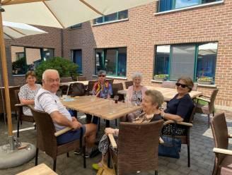 Na jaar binnen blijven: cafetaria en zonneterras rusthuis Kasteelhof weer open