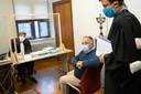 """Marc Van Ranst verschijnt voor de rechter in Mechelen na een klacht wegens """"roekeloze uitspraken""""."""